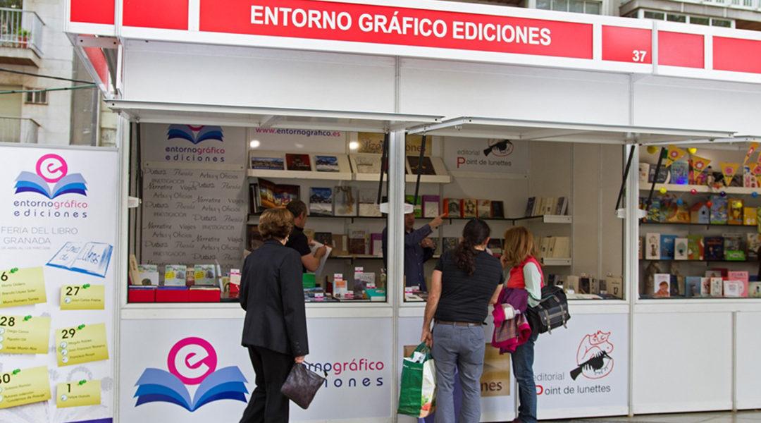 Primeras visitas de la Feria del Libro 2016 en Granada.